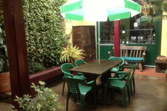 Bogota - Chocolate Hostel : Patio at the Bogota - Chocolate Hostel in Columbia