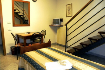Lucca - San Frediano : Double Bedroom in Lucca - San Frediano, Italy