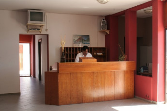 Sperlonga : Reception Desk in Sperlonga Hostel, Italy
