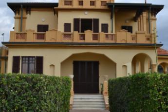 Marina di Massa - Ostello Apuano : Front Exterior View in Marina di Massa - Ostello Apuano Hostel, Italy