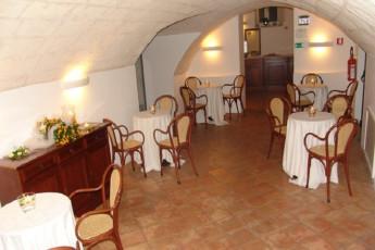 Matera - Le Monacelle : Inside Dining Area at Matera - Le Monacelle Hostel, Italy