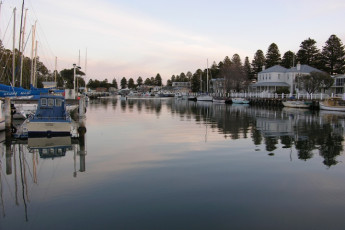 Port Fairy YHA : Harbour near Port Fairy hostel in Australia