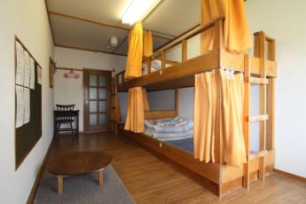 Niseko - YH Karimpani Niseko Fujiyama : Dorm Room in Niseko - Youth Hostel Karimpani Niseko Fujiyama, Japan