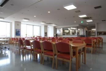 Osaka - Shin-Osaka YH : Dining Area in Osaka - Shin-Osaka Youth Hostel, Japan