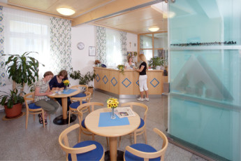 Bad Ischl : reception of the Bad Ischl hostel in Austria