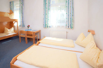 Bad Ischl : family room in Bad Ischl hostel in Austria