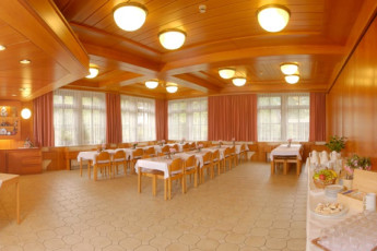 St. Gilgen : dining room in the St Gilgen Hostel in Austria