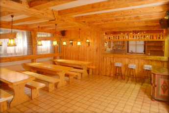 St. Gilgen : Bar at the St Gilgen Hostel in Austria