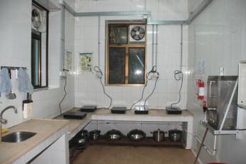 YHA Hong Kong- Ngong Ping SG Davis Youth Hostel : Kitchen Area in Ngong Ping SG Davis Youth Hostel, Hong Kong