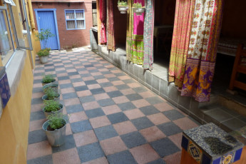 Durban - Gibela Backpackers Lodge : Courtyard in Durban - Gibela Backpackers Lodge Hostel, South Africa