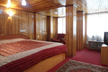 Darjeeling YH : Twin Room in Darjeeling Youth Hostel, India