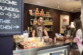Sydney  - Railway Square YHA : Cafe at the Sydney - Railway Square Hostel in Australia