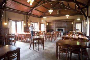 Stayokay Gorssel : Dining Area in Stayokay Gorssel Hostel, Netherlands