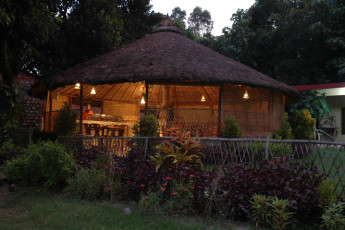 Corbett Park : Exterior View of Dining Area in Corbett Park Hostel, India