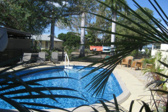 Rockhampton YHA : Swimming Pool at the Rockhampton YHA in Australia