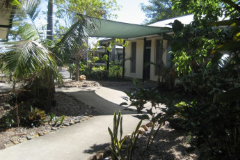 Rockhampton YHA : Outdoor area at the Rockhampton YHA in Australia