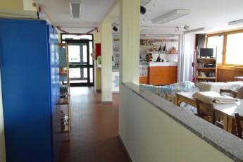 Abetone - Renzo Bizzarri : Cafe, Ess- und Loungebereich in Abetone - Renzo Bizarri Hostel, Italien
