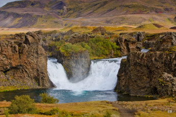 Árnes : Waterfall Local to Arnes Hostel, Iceland