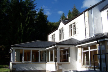 Morag's Lodge : Exterior View of Morags Lodge Hostel, Scotland