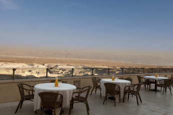 Dead Sea - Massada : Dining Terrasse am Toten Meer - Masada Hostel in Israel