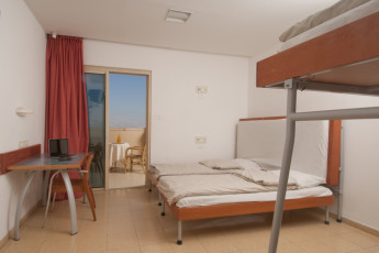 Dead Sea - Massada : Family room in the Dead Sea - Massada hostel in Israel