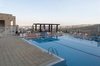 Dead Sea - Massada : Swimming pool at the Dead Sea - Massada hostel in Israel