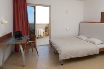 Dead Sea - Massada : Private double room at the Dead Sea - Massada hostel in Israel
