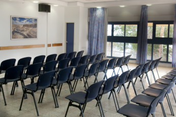 Ein Gedi : Conference room in the Ein Gedi hostel in Israel