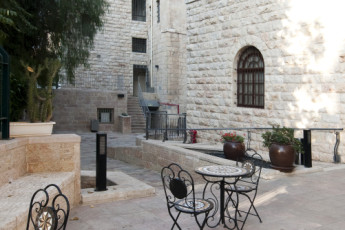 Jerusalem - Agron : Courtyard of the Jerusalem - Agron hostel in Israel
