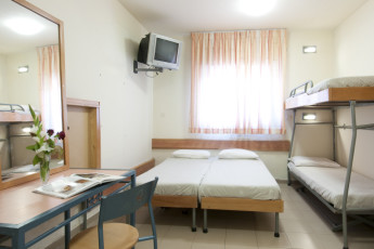 Jerusalem - Agron : Family room in the Jerusalem - Agron hostel in Israel
