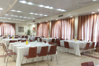 Jerusalem - Agron : Restaurant dining room in the Jerusalem - Agron hostel in Israel
