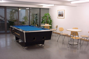Konstanz : Pool Table in Konstanz Hostel, Germany