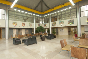 Jerusalem -Yitzhak Rabin : Lounge area at the Jerusalem -Yitzhak Rabin hostel in Israel
