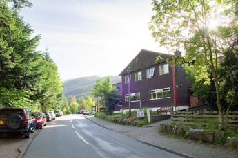 Glen Nevis SYHA : Exterior of the Glen Nevis SYHA hostel in Scotland