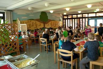 Schöningen am Elm : Dining Room in Schoningen am Elm Hostel, Germany