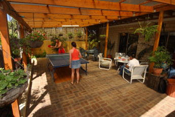 Lancelin Lodge YHA : Lancelin Lodge YHA ping pong table