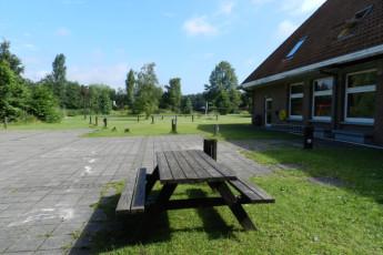 Laarne - De Valk : Laarne De Valk garden bench