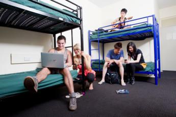 Darwin YHA : Darwin YHA bunk bed dorm