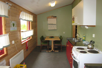 Senja : Guest kitchen in the Senja hostel in Norway