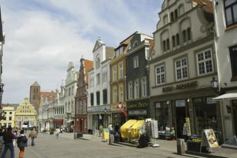 Wismar : Shops Local to Wismar Hostel, Germany