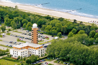 Warnemünde : Location of warnemã¼nde, Germany Hostel in surrounding landscape