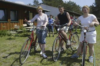 Ueckermünde : Guests with their Bicycles at Ueckermunde Hostel, Germany