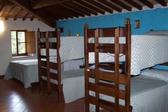 Perugia - Villa Giardino Y.H. : Dorm room in Perugia - Villa Garden Youth Hostel, Italy