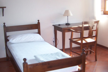 Perugia - Villa Giardino Y.H. : Single Room in Perugia - Villa Giardino Youth Hostel, Italy