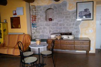 Perugia - Villa Giardino Y.H. : Single Room in Perugia - Villa Garden Youth Hostel, Italy