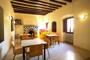 Alberg Casa Gran : Dining area in the Altafulla hostel in Spain