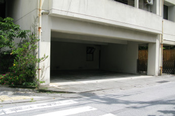 Okinawa - City Front Harumi YH : Parking at Okinawa - City Front Harumi Youth Hostel, Japan