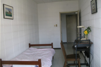 Okinawa - City Front Harumi YH : Single Room in Okinawa - City Front Harumi Youth Hostel, Japan