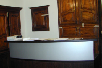 Bourglinster : Check-In Desk at Bourglinster Hostel, Luxembourg