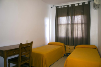 Albergue Inturjoven Aguadulce : Twin room at the Hostel Inturjoven Aguadulce in spain